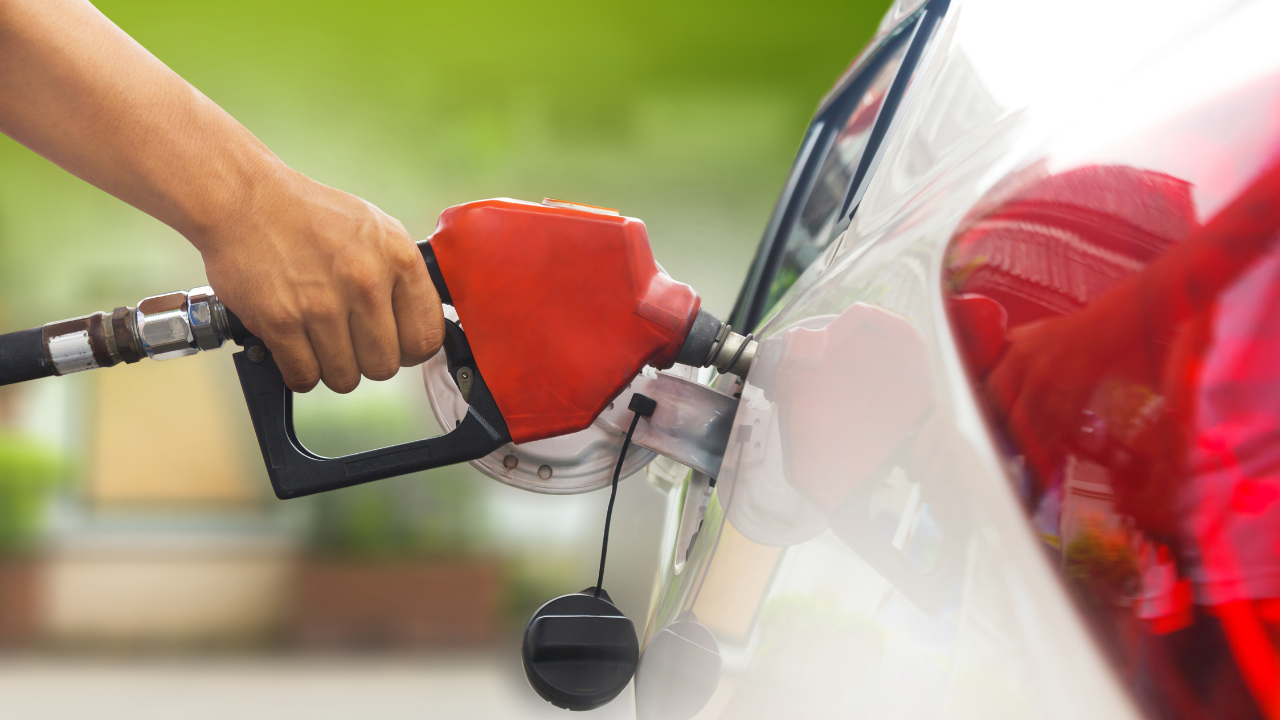 Petrol Rate today: Falling crude oil prices; Find out today's petrol and diesel prices