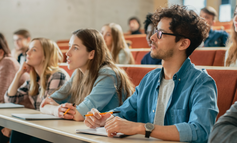 Eight Tips to Choose the Right College for Higher Education